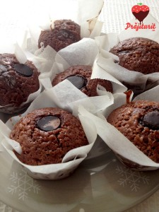 Brioșe cu bucăți de ciocolată